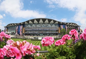 ASCOT, ENGLAND - JUNE 20: A general view of the Grandstand during day four of Royal Ascot 2014 at Ascot Racecourse on June 20, 2014 in Ascot, England. (Photo by Chris Jackson/Getty Images for Ascot Racecourse)